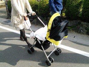 赤ちゃんのお出かけに紫外線対策|必要?いつから?選び方のポイントは?